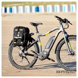 basil-miles-fietstas-17l-zwart (5)